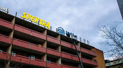 Skyltar & service - Reparation & service - Skyltmontage Spektra Neon och SKB